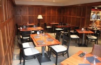le-villeneuve-restaurant-salle