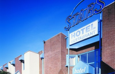 stars-hotel-façade