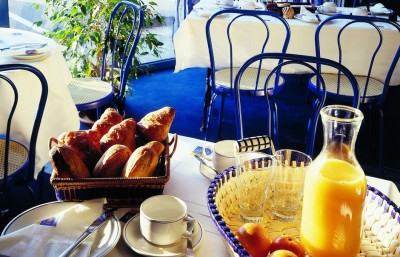 stars-hotel-lille-table-déjeuner