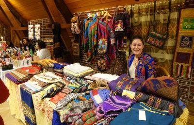 Stand d'artisanat indien au Marché de Noël