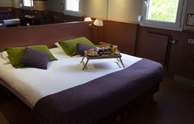 hotel-ascotel-chambre-lit